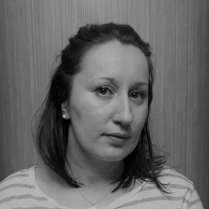 Patricia, Profesoara de Engleza