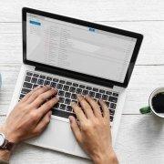 Cum scriem un email in engleza?